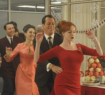 How to Master the Art of Office Holiday Partying
